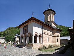 250px-Biserica_manastirii_Polovragi